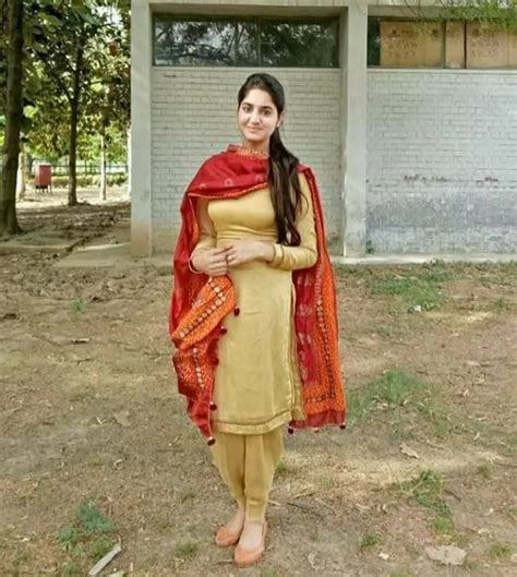 Desi Pakistani Girls In Tight Shalwar Kameez Photos