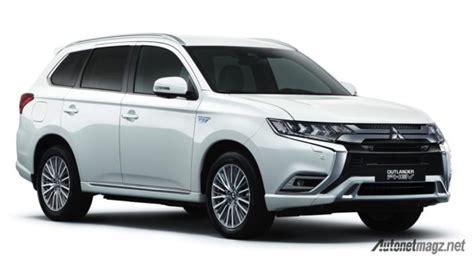 Generasi Terbaru Mitsubishi Outlander Hadir Di 2021, Pakai