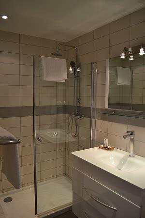 la chambre des 駱oux hôtel restaurant les alpes gréoux les bains cadarache manosque verdon