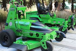 The Advantages Of Using Electric Riding Mowers