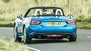 Top Gear Uk 2016 : review the turbocharged fiat 124 spider in the uk 2016 2018 top gear ~ Medecine-chirurgie-esthetiques.com Avis de Voitures