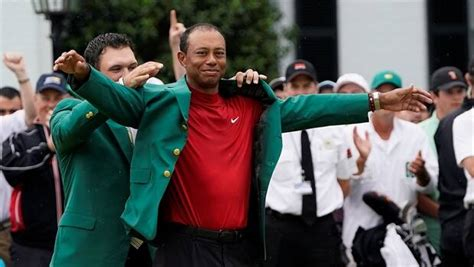 Tiger Woods ends 13-year Masters title drought | CBC Sports
