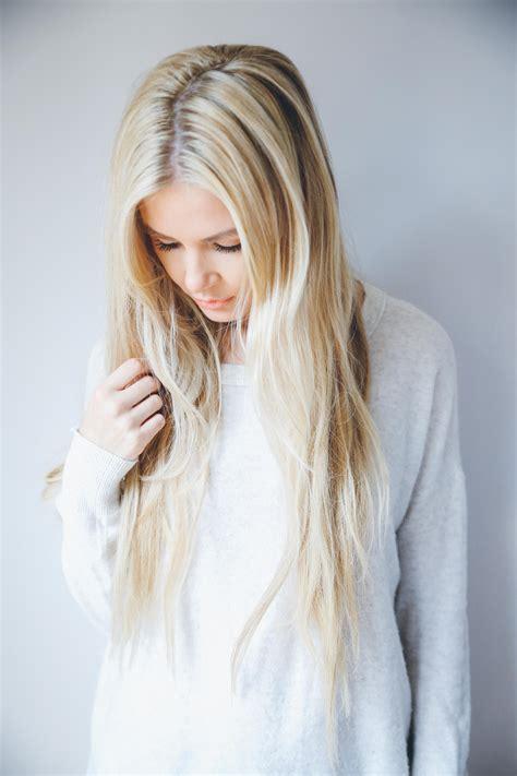 hairdresser    blonde color