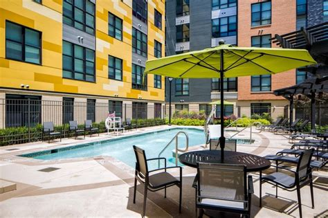 julian  fair lakes apartments fairfax va