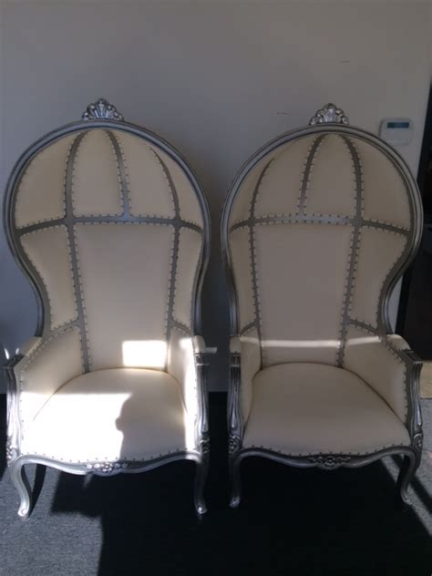 wedding specialty table and throne chair renta los