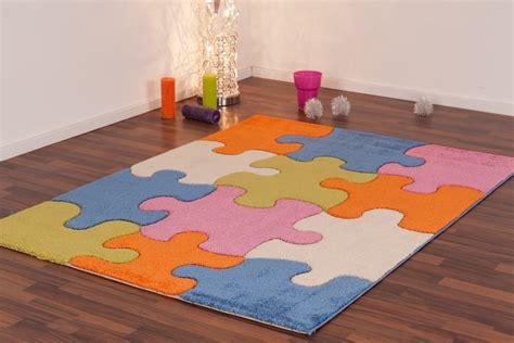 tapis de chambre pas cher tapis pour enfant play moderne puzzle bleu vert crème