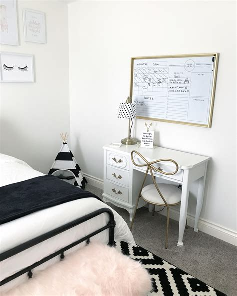 Bedroom Design Black White Pink by Black And Blush Pink Room Decor Black And White