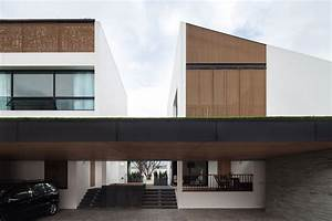 Twin House / Poetic Space Studio