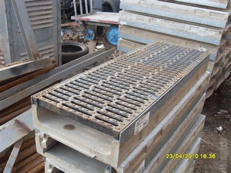 drainage channels  gratings aco drain multiline
