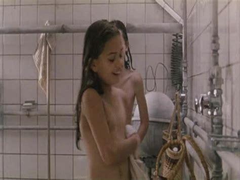 Naked Amalie Dollerup In Ogginoggen