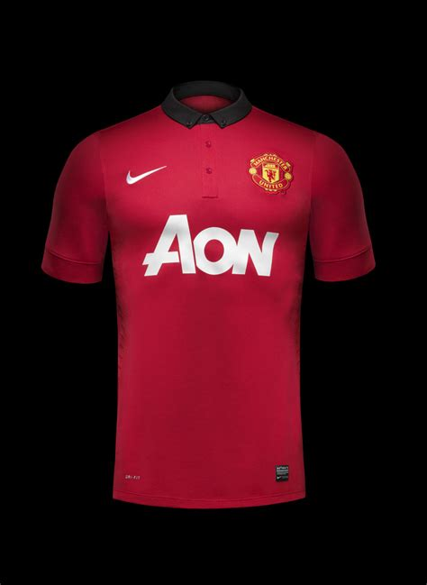 nike unveils manchester united home kit    nike