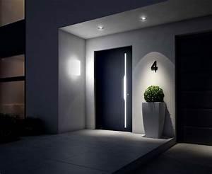 Wand Indirekt Beleuchten : den hauseingang ins rechte licht r cken ~ Markanthonyermac.com Haus und Dekorationen