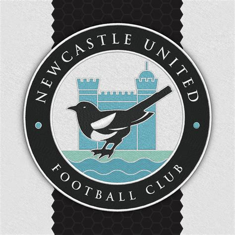 Man utd fans storm old trafford, arsenal cruise at newcastle. Newcastle Crest
