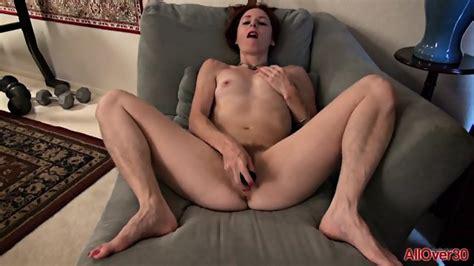 Mature Lady Uses Vibrator EPORNER