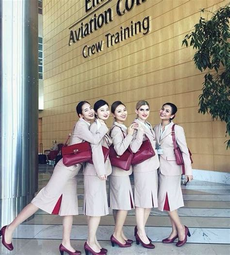 cabin crew in emirates 25 best ideas about emirates cabin crew on