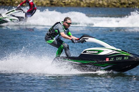 Jet Ski Fast Boat by Kawasaki Sx R Jet Ski First Ride Review 14 Fast Facts