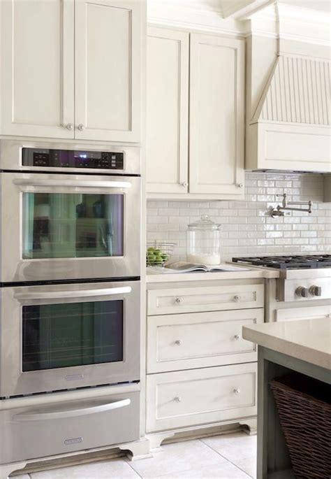 ivory shaker kitchen cabinets tobi fairley gorgeous kitchen design with 4886