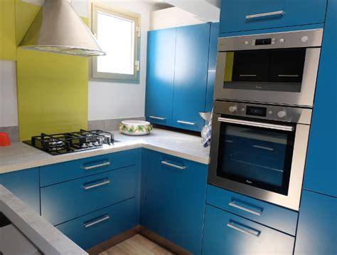 cuisine 4m2 cuisine vintage en u pour petit espace modèle harmonie
