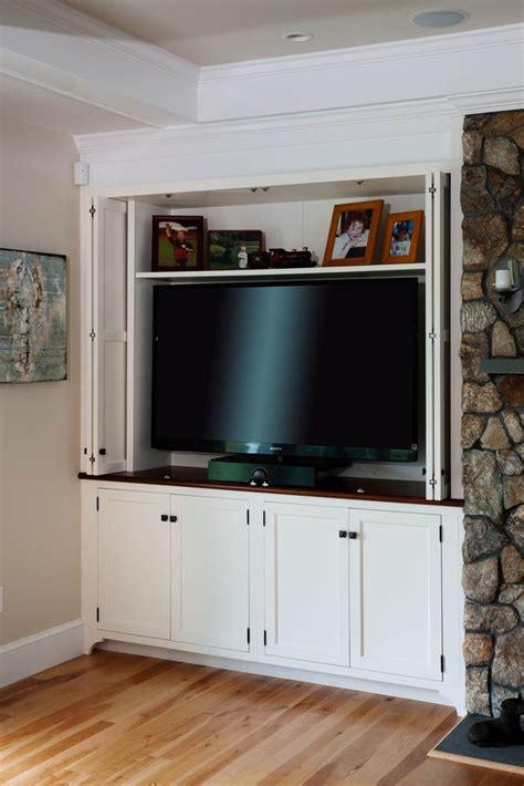 folding doors  hide tv living room   closet