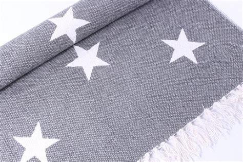 teppich läufer grau tapete grau tapete michalsky metropolis sterne grau 32521 4 tapete sterne grau die