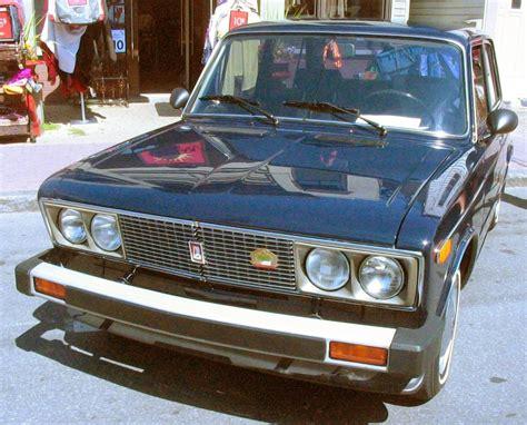 '81 Lada 1500 (auto Classique Pointe-claire '11).jpg
