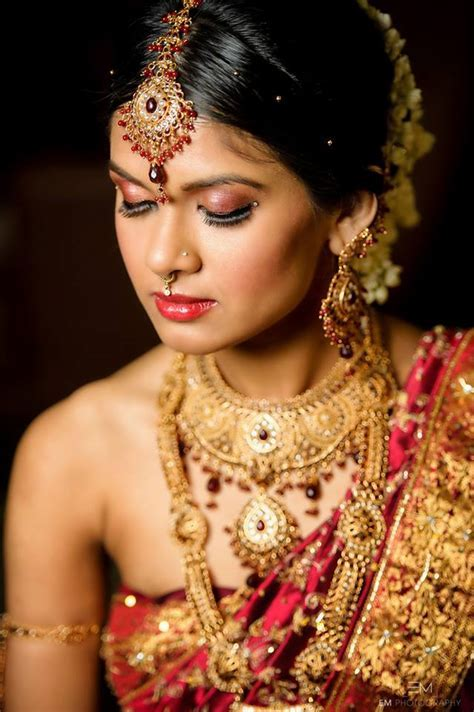 bridal makeup looks for green eyes   styloss.com