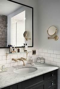 Grand miroir contemporain un must pour la salle de bain for Salle de bain design avec liège décoration murale