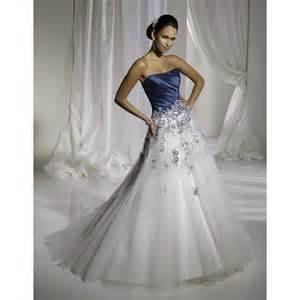 robes de mariã e robes de mariée bleu et blanc robe de mariée décoration de mariage