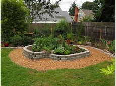 Simple Landscaping Ideas Using Mulch With Rocks Vs Design