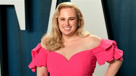 Rebel Wilson Posts Bikini Selfie and Videos Amid Weight ...