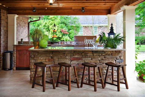 Outdoor Bar Designs by 20 Spectacular Outdoor Kitchens With Bars For Entertaining
