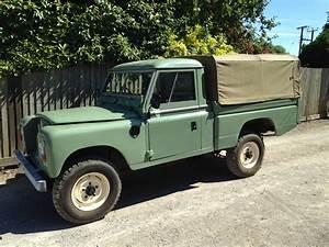 Land Rover Series 3 109 Hi