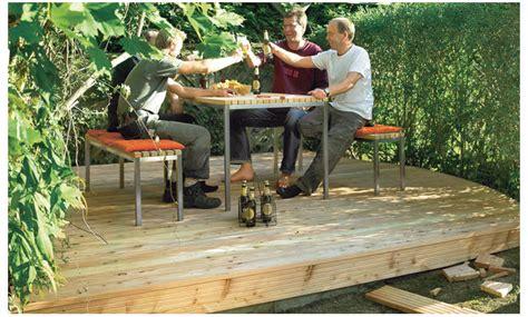 Holzterrasse Auf Rasen by Holzterrasse Auf Rasen
