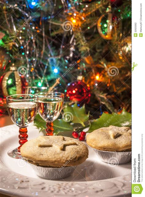 mince pies  sherry stock photo image  bright