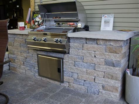 limestone outdoor kitchen 1000 images about outdoor kitchens on pinterest bricks galleries and stones