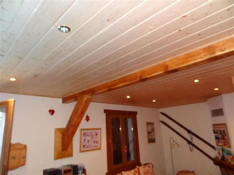 lambris plafond cuisine armoire de cuisine avec lambris à quentin estimation