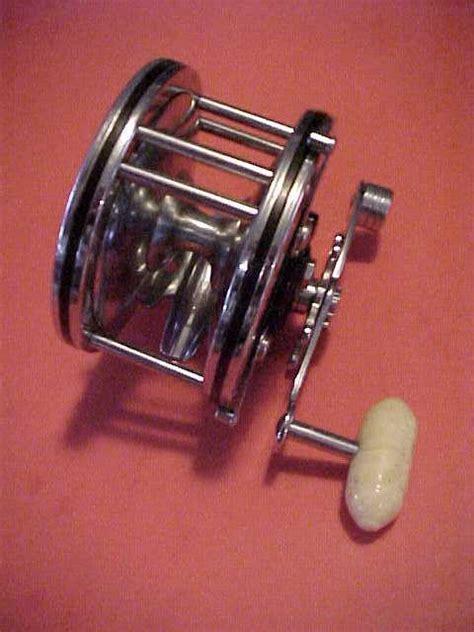 vintage penn super mariner  fishing reel  box