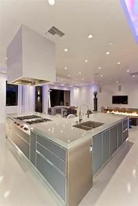 Moderne Küche Mit Kochinsel : 90 moderne k chen mit kochinsel ausgestattet k che kochinsel k chenblock und kochinsel ~ Markanthonyermac.com Haus und Dekorationen