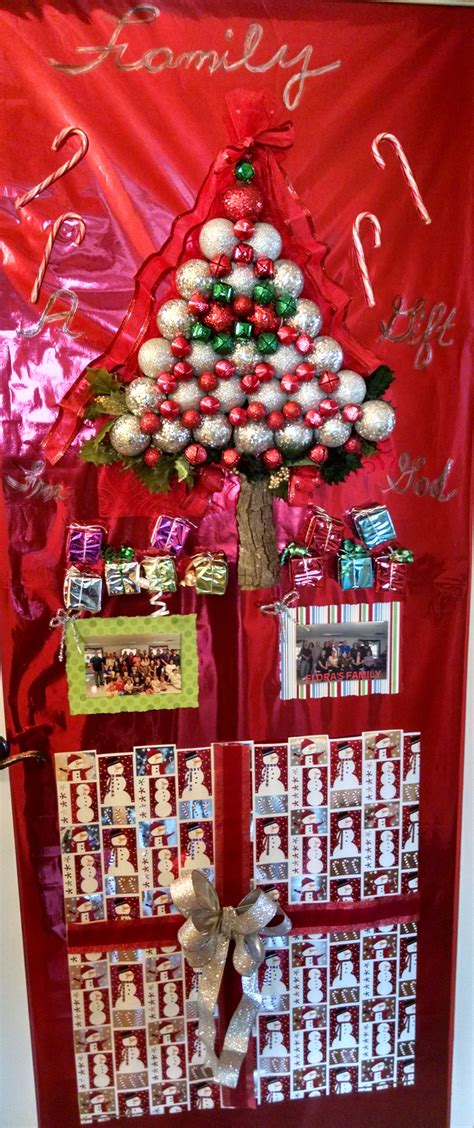 deck  halls holiday door decorating contest assisted