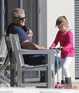Mel Gibson with daughter Lucia after permission to fly her ...