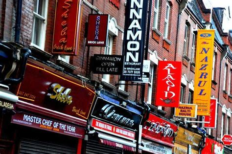 ultimate guide  visiting brick lane strawberry tours