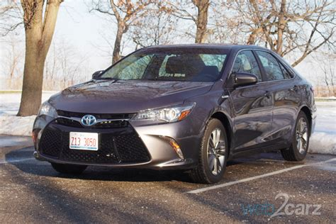 2016 Toyota Camry Hybrid Se Review