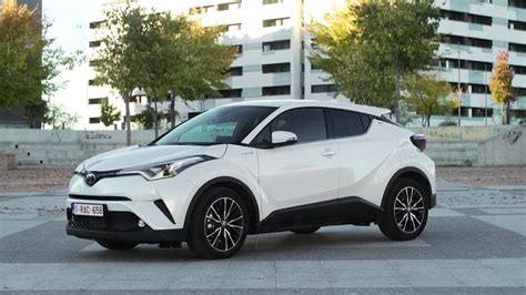 Toyota Car : We Drive Japan's Best Hybrid Suv