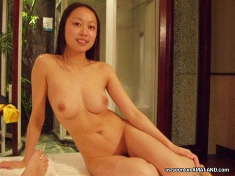 Nude Chinese Massage Parlor Girl