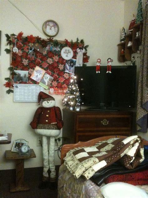 christmas decorations  small nursing home decorating