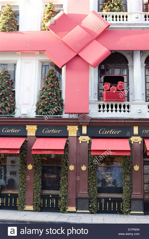 cartier shop front christmas decorations   streets