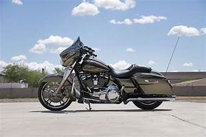 2017 Harley-Davidson Street Glide Special Review