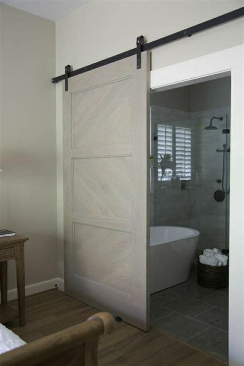 porte en bois de chambre la porte coulissante en 43 variantes magnifiques