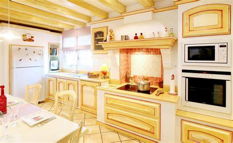 beautiful cuisine style provencale jaune photos