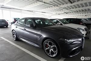 Alfa Romeo Giulia Quadrifoglio Occasion : alfa romeo giulia quadrifoglio 4 march 2017 autogespot ~ Gottalentnigeria.com Avis de Voitures